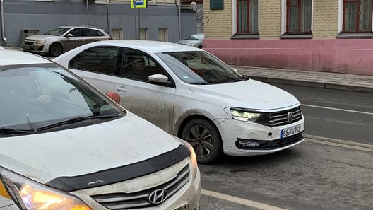 Улучшенный  VW  Tiguan 2020 на100%  рассекречен: «живые» фотографии  германского  кроссовера без камуфляжной защиты