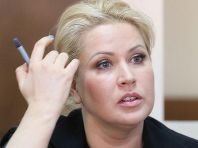 Евгения Васильева стала секретарем управдома Анатолия Сердюкова