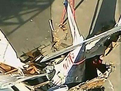 Авиакатастрофа в США: пилот специально направил самолет в дом