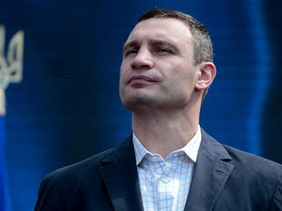 Мэр Киева Кличко срочно прибыл на место обрушения моста