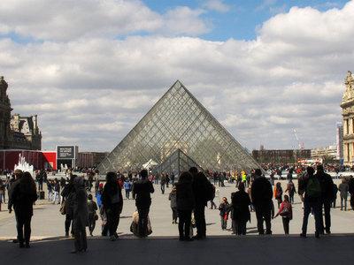 Лувр закроют, чтобы спасти экспонаты от наводнения