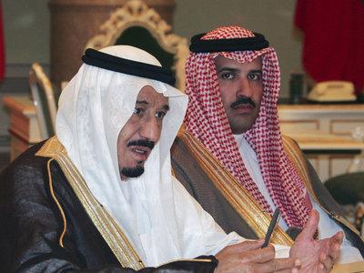 Король Саудовской Аравии приедет в Индонезию с 450 тоннами багажа