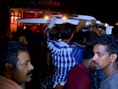Пожар в пригороде Дели унес жизни 6 человек