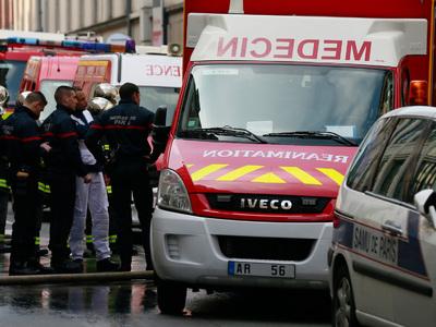 Из-за пожара в пригороде Парижа эвакуировали сотню человек