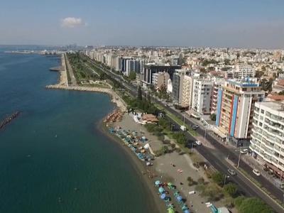 Задержанный на Кипре россиянин сбежал от полиции по пути в суд
