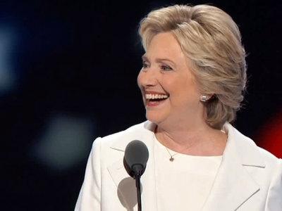 """Клинтон отключила Ассанжу Интернет, потому что он """"разворошил ее осиное гнездо"""""""