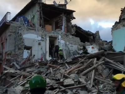 Землетрясение в Италии: спасатели прибыли на развалины спустя 3,5 часа