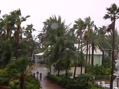 """Число жертв урагана """"Мэттью"""" стремительно растет"""