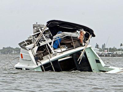 """Число жертв урагана """"Мэттью"""" в США возросло до 17 человек"""