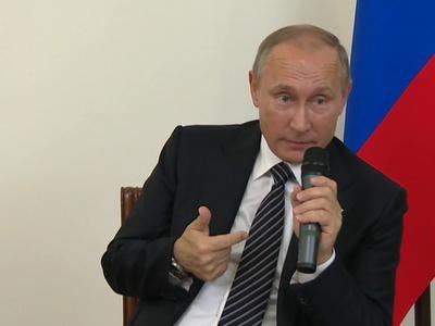 """""""Фиг им"""": Владимир Путин о санкциях, отношениях с США и прослушке"""