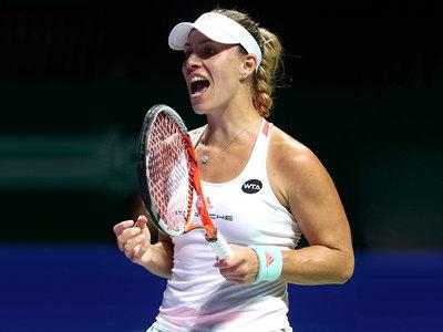 Кербер выиграла у Халеп на итоговом турнире WTA