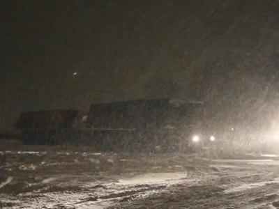 В Канаде спасены 60 водителей, застрявших на трассе из-за сильной метели