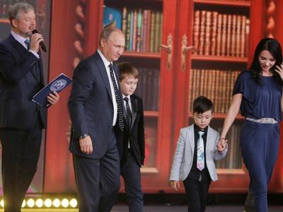 Россия без границ: Путин протестировал юных географов