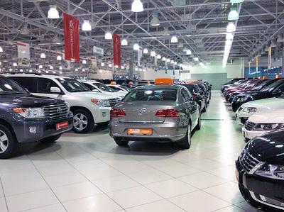 За две недели ноября переписали цены 9 автомобильных брендов