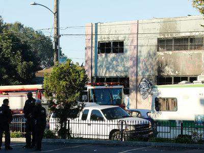 Полиция: в ночном клубе Окленда могли погибнуть до 40 человек