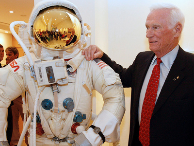 Скончался легендарный астронавт Юджин Сернан