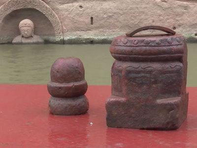 В Китае из-под воды вышел Будда. Видео
