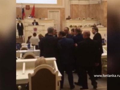 Депутаты Заксобрания Петербурга подрались из-за судьбы Исаакия