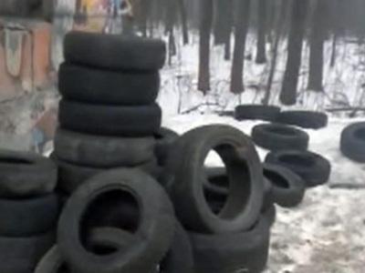 Украинские автомобилисты жгут покрышки ради встречи с премьером