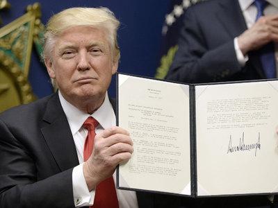 Первые указы Трампа: стена, кляп и ЛГБТ