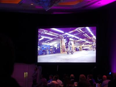 "Boston Dynamics показала пугающего ""робота-грузчика"""