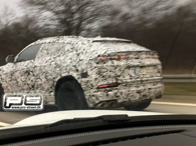 Появились первые фото нового кроссовера Lamborghini