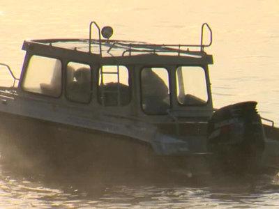 Более 350 человек ищут пропавший на Камчатке катер