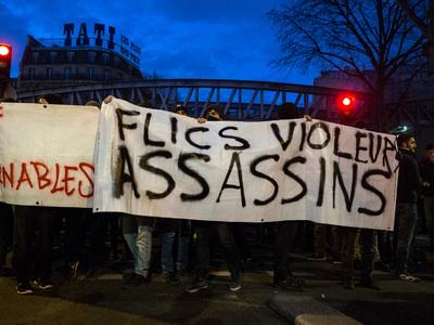 Дым и огонь в Париже: в Сен-Дени - снова погромы