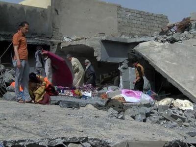 Мосул: под обломками найдены десятки тел мирных жителей