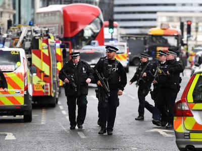 Зрителей театра в Лондоне эвакуировали из-за угрозы взрыва