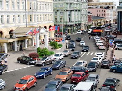 На дороги Москвы возвращаются пробки из-за дачников