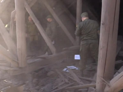 Из танков - по жителям: украинские военные 50 раз за сутки стреляли по Донбассу