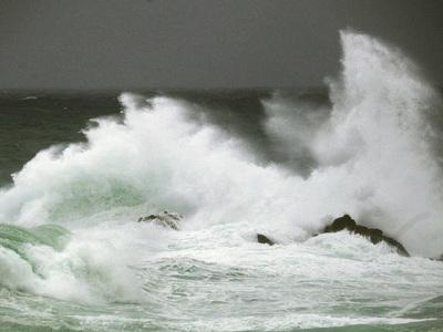 """Шторм """"Мария"""" у побережья США превратился в ураган"""