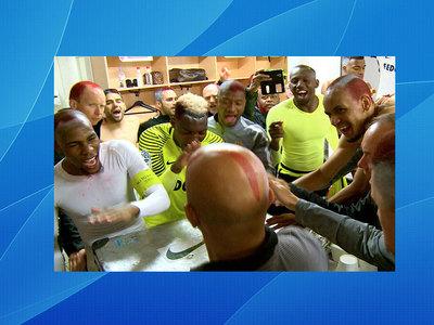 """Футболисты """"Монако"""" выкрасили головы в клубные цвета"""