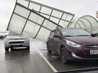 """Ураган в Москве уже успел """"наломать дров"""""""