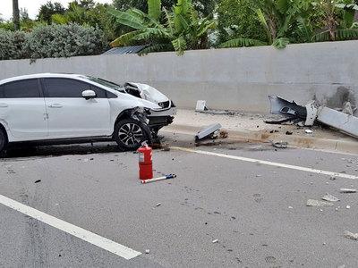 Автоледи обвинила паука в жуткой аварии