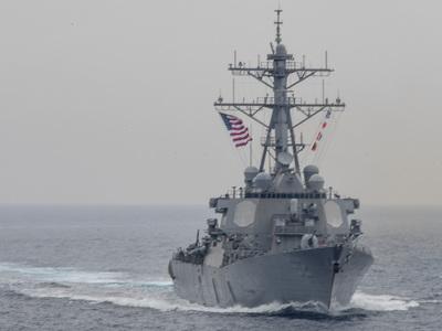 Американский эсминец столкнулся с буксиром в заливе Сагами