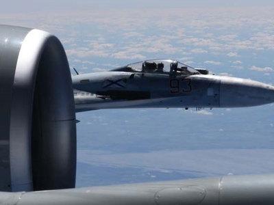 Опубликованы фото сближения российского истребителя с американским разведчиком