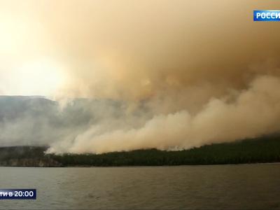 Пожарные борются с огнем в Сибири и на Дальнем Востоке при +40°