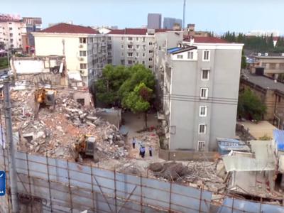 В Шанхае обрушился дом: пять погибших