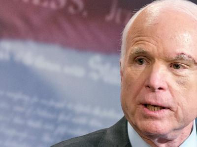 """Маккейн будет """"праздновать жизнь"""" несмотря на рак мозга"""