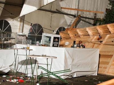 Обрушение шатра на пивном фестивале в Австрии: двое погибли, 120 пострадали