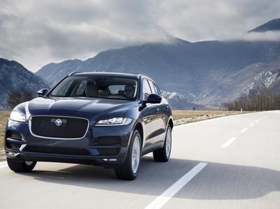 Jaguar представил обновленный кроссовер F-Pace