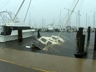Количество жертв урагана в США увеличилось до трех