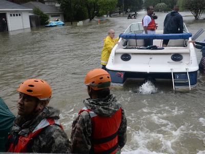 """Ураган """"Харви"""": в Техасе спасены более 13 тысяч человек"""