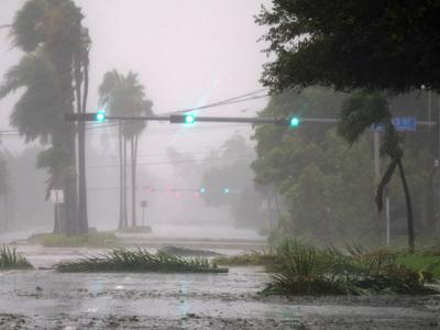 """В Северной Каролине эвакуируют людей из-за урагана """"Мария"""""""
