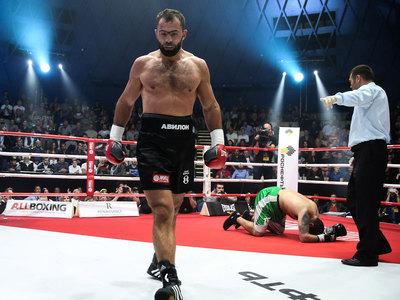 Олимпийский чемпион Чахкиев завершил боксерскую карьеру