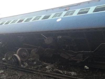 Крушение поезда на севере Индии: погибли 4 человека
