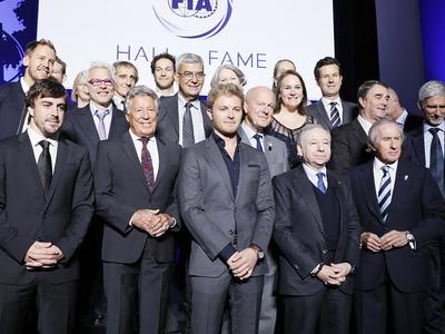 """Шумахер, Феттель, Вильнев и другие чемпионы """"Формулы-1"""" вошли в Зал славы FIA"""