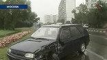 Ветер и дождь - такая комбинация должна  заставить задуматься о безопасности автомобилистов